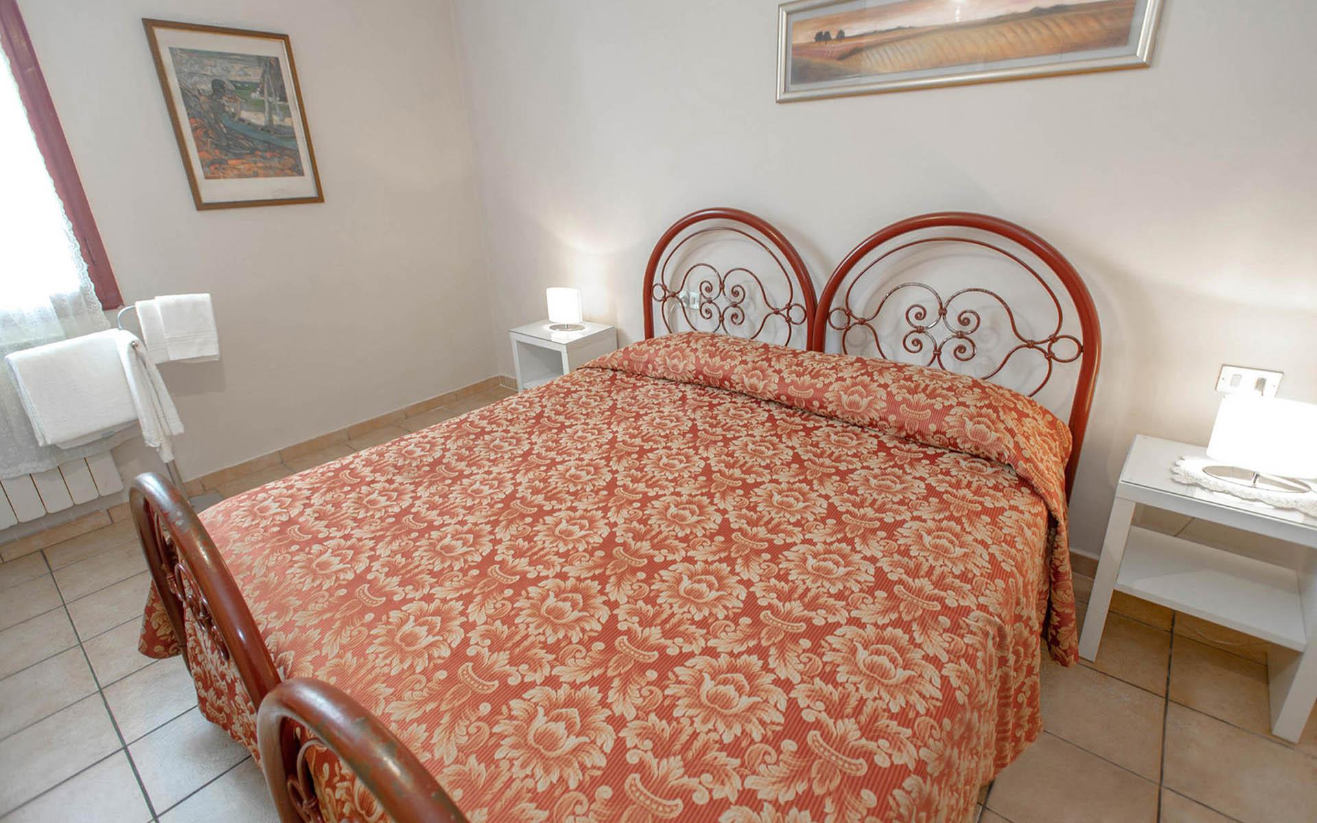 Camera singola completa di bagno per il tuo soggiorno for Soggiorno a firenze economico